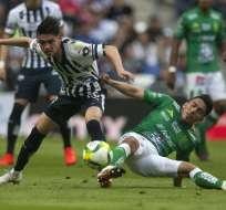 El ecuatoriano (d.) hizo un golazo en la victoria del León ante Cruz Azul. Foto: Julio Cesar AGUILAR / AFP