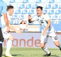 Argentina celebra un tanto contra Uruguay