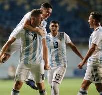 Argentina festeja uno de sus goles.