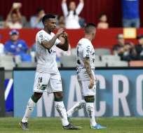 El volante ecuatoriano hizo el segundo tanto en el 4-0 sobre Toluca. Foto: ALFREDO ESTRELLA / AFP
