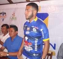 Burbano en su presentación con Delfín. Foto: Delfín.