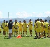 Deportivo Cuenca en una práctica previo al comienzo del torneo. Foto: Twitter Deportivo Cuenca