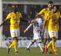 'Súperman' (i.) convirtió a los 16 minutos del partido ante Santos Laguna. Foto: Julio Cesar AGUILAR / AFP