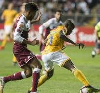 El delantero ecuatoriano estuvo frente al portero del Saprissa y no anotó. Foto: Ezequiel BECERRA / AFP