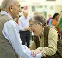 Peter Linton baila para aliviar el Parkinson
