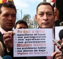 Presidente Correa firmó la baja del coronel César Carrión.