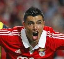 El jugador del Benfica Oscar Cardozo celbra el 3-1 ante el Fenerbahce. Foto: EFE