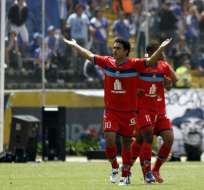 Juan José Govea y Daniel Samaniego anotaron para El Nacional. Marlon De Jesús descontó para Emelec. Foto: API