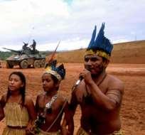 Cerca de 140 indígenas brasileños reclamaron al gobierno que detenga las obras de construcción de hidroeléctricas en la Amazonía. Foto: bp.blogspot.com