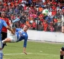 CUENCA.- Emelec no afloja la punta con su victoria 1-0 en el Alejadro Serrano Aguilar. Foto: API