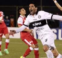 ASUNCIÓN - Paraguay.- Olimpia derrotó a Santa Fé y pone un pie en la final con goles de Miranda y Ferreyra. Fuente EFE