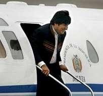 Varios seguidores de Evo Morales se concentran en La Paz para esperar la llegada de su presidente. Foto: EFE
