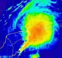 """MÉXICO.- Según el Servicio Meteorológico Nacional, """"Karen"""" se localiza a 120 kilómetros al noroeste de Cancún. Fotos: SMN y Archivo"""