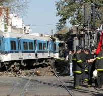 Según las emisoras locales se afirma que el tren pudo haberse quedado sin frenos. Foto: La Nación