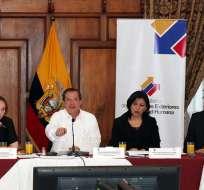 QUITO, Ecuador.- El canciller Ricardo Patiño invitó a la comunidad internacional a comprobar los daños en la amazonia. Fotos: Cancillería e Internet