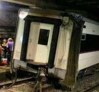 BARCELONA, España. Los pasajeros del convoy afectado pudieron salir por el primer vagón del tren en la misma estación. Foto: 20minutos.es