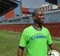 Silva Santos jugó para los equipos locales Banu y Madureira.