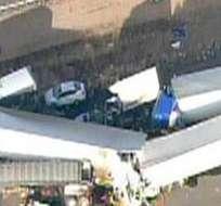 El accidente involucró a 18 automóviles y 1 tanquero que se desplazaban por una autopista.