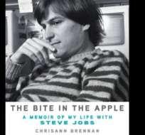 La madre de la hija de Steve Jobs escribió un libro sobre el lado oscuro del creador de Apple.