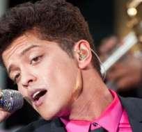 Bruno Mars, Artista del Año para la revista Billboard.