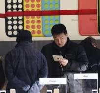 Apple llegó a acuerdo para vender el iPhone en China. Foto: EFE