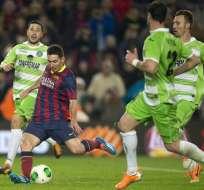 A Messi solo le bastó 30 minutos para brillar y anotar dos goles en su regreso a las canchas. Foto: EFE