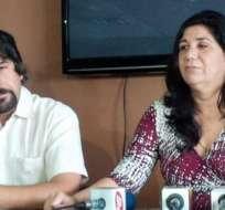 Martha y Santiago Roldós refutan las acusaciones del Gobierno. Foto: Twitter