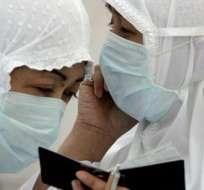 El virus puede causar desde un simple resfriado hasta el Síndrome Respiratorio Agudo Severo (SARS).