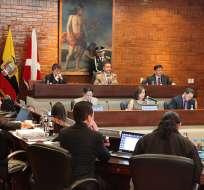 El municipio reformará ordenanzas sobre mal estacionamiento y taxis piratas, dice concejal Villamar.