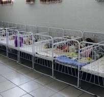 382 bebés rescatados en China en operación antitráfico de niños por internet.