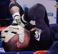 El diario Sport confirmó la rotura del ligamento cruzado del arquero del Barcelona de España.