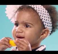 ¿Cómo reaccionan los bebés cuando prueban por primera vez un limón?