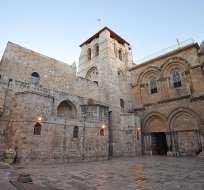 Palestinos cristianos denuncian que Israel impide el acceso al Santo Sepulcro.