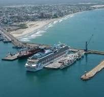 MANTA, Ecuador.- La fuga de amoníaco se registró alrededor de las 08H00 en un barco del Puerto de Manta. Foto: Archivo