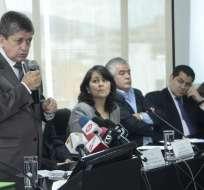 QUITO, Ecuador.- El ministro de Relaciones Laborales, Carlos Marx Carrasco, hizo el anuncio esta mañana. Fotos: API