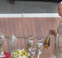 """""""Yo lloré cuando vi en los medios de comunicación la noticia de cristianos crucificados en cierto país no cristiano"""", explicó el papa. Foto: EFE."""