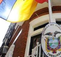 MADRID, España.- El Comité Español en Defensa de la Amazonia Ecuatoriana entregó a la Embajada ecuatoriana una denuncia sobre políticas abusivas de Chevron. Foto: Internet