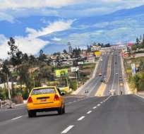 ECUADOR.- El gobierno nacional apuesta en la reconstrucción vial como la principal herramienta de desarrollo. Fotos: Obras Públicas