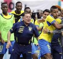 La celebración por el gol de Michael Arroyo en el amistoso ante Inglaterra (Foto: EFE)
