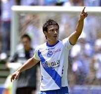 El delantero argentino compartirá equipo con Enner Valencia y Walter Ayoví.