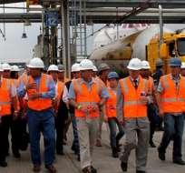 EL CHORRILLO.-  El Presidente Rafael Correa durante su visita a la Planta de Almacenamiento y Distribución de GLP. Foto: Presidencia de la República.