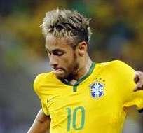 Neymar se lesionó en el partido con Colombia y se le terminó el Mundial (Foto: EFE)
