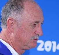 BRASIL.- La Confederación Brasileña de Fútbol (CBF) decidió no prolongar el contrato del director técnico. Fotos: EFE