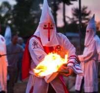 Estas prácticas publicitarias son comunes en esta organización a fin de atraer a los jóvenes. Hace un mes los afiliados al Ku Klux Klan distribuyeron panfletos en localidades de todo el país. Foto: Archivo