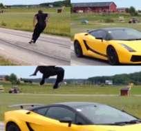 El video hace una repetición en cámara lenta, donde se aprecia el salto de manera espectacular.