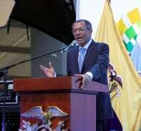Varios funcionarios estatales estuvieron presentes en el homenaje estatal a Guayaquil. Foto: API