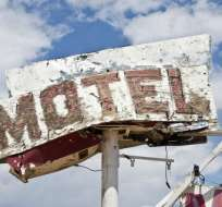 ¿No quiere depender del hotel? Entonces lleve toallitas y aerosoles antibacterianos.