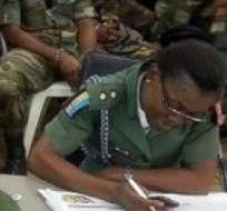 NIGERIA.- Este acuerdo significaría la inminente liberación de las más de 200 niñas secuestradas hace seis meses en el pueblo de Chibok. Foto: Internet