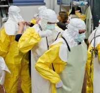 Cuba envió a un grupo médico de 165 personas para luchar contra la epidemia en ese país. Foto: AFP.