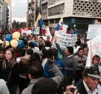 Marcha de los trabajadores y el seguimiento en redes sociales. Foto: María José Eguiguren